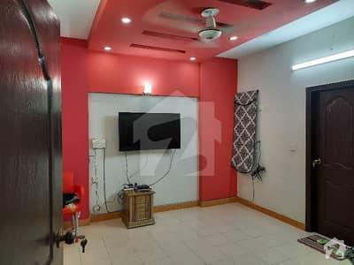 شہید ملت روڈ کراچی میں 4 کمروں کا 9 مرلہ فلیٹ 3.25 کروڑ میں برائے فروخت۔