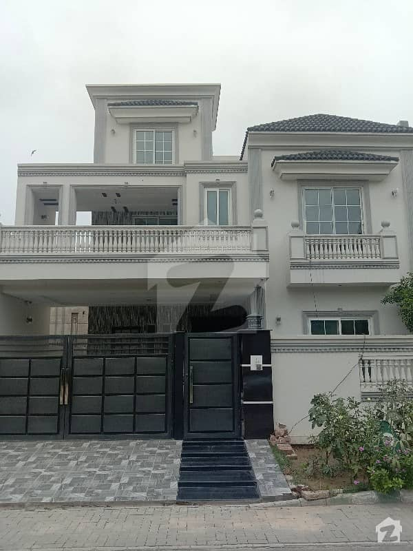 House For Sale In Sukh Chayn Gardens