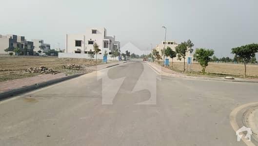 بحریہ ٹاؤن - طلحہ بلاک بحریہ ٹاؤن سیکٹر ای بحریہ ٹاؤن لاہور میں 10 مرلہ رہائشی پلاٹ 1.15 کروڑ میں برائے فروخت۔