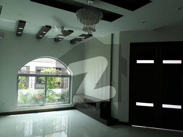 ڈی ایچ اے 9 ٹاؤن ڈیفنس (ڈی ایچ اے) لاہور میں 3 کمروں کا 5 مرلہ مکان 1.5 کروڑ میں برائے فروخت۔