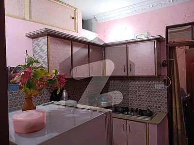 لیاقت آباد کراچی میں 2 کمروں کا 2 مرلہ فلیٹ 24.5 لاکھ میں برائے فروخت۔