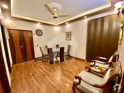 خالد بِن ولید روڈ کراچی میں 3 کمروں کا 8 مرلہ فلیٹ 2.25 کروڑ میں برائے فروخت۔