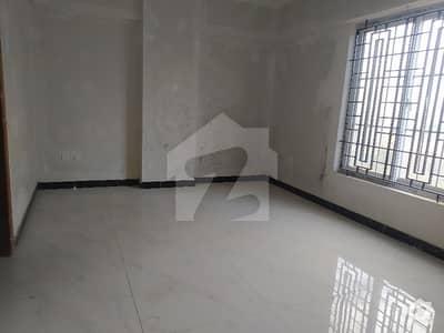 شہید ملت روڈ کراچی میں 4 کمروں کا 9 مرلہ فلیٹ 4.5 کروڑ میں برائے فروخت۔