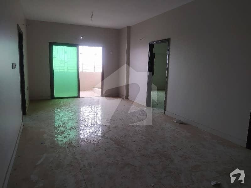 شہید ملت روڈ کراچی میں 3 کمروں کا 8 مرلہ فلیٹ 4.3 کروڑ میں برائے فروخت۔