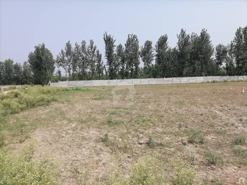 جی ٹی روڈ پشاور میں 8.5 کنال رہائشی پلاٹ 10.35 کروڑ میں برائے فروخت۔