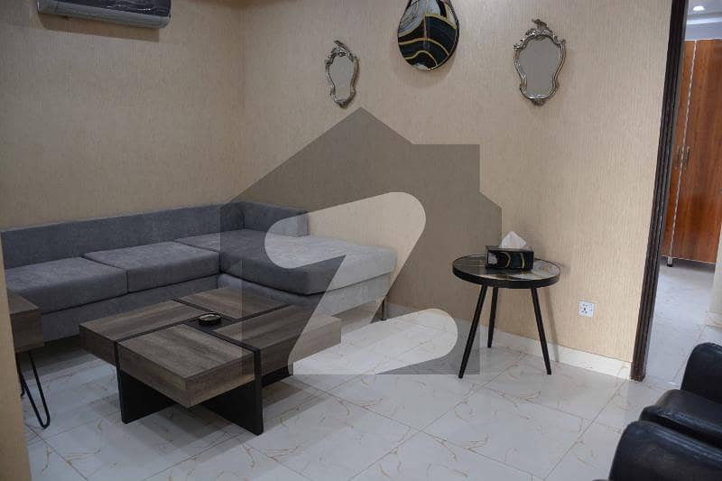 بحریہ ٹاؤن قائد بلاک بحریہ ٹاؤن سیکٹر ای بحریہ ٹاؤن لاہور میں 1 کمرے کا 3 مرلہ فلیٹ 75 لاکھ میں برائے فروخت۔