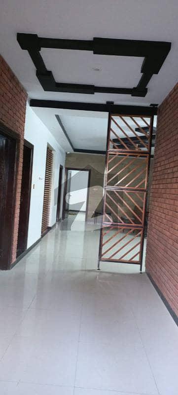 پی ای سی ایچ ایس بلاک 6 پی ای سی ایچ ایس جمشید ٹاؤن کراچی میں 3 کمروں کا 12 مرلہ مکان 2.5 لاکھ میں کرایہ پر دستیاب ہے۔