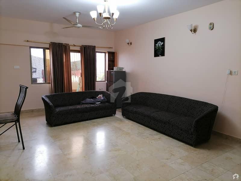 یونیورسٹی روڈ کراچی میں 4 کمروں کا 15 مرلہ فلیٹ 2.55 کروڑ میں برائے فروخت۔