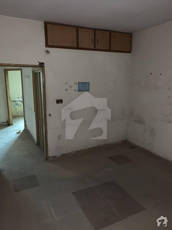 شاہ جمال لاہور میں 3 کمروں کا 4 مرلہ فلیٹ 30 ہزار میں کرایہ پر دستیاب ہے۔