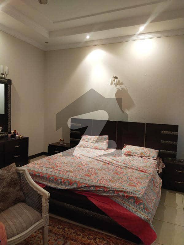 ای ۔ 11/2 ای ۔ 11 اسلام آباد میں 9 کمروں کا 1 کنال مکان 8.25 کروڑ میں برائے فروخت۔