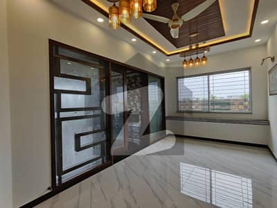 1 KANAL DESIGNERS HOUSE FOR SALE BY INVESTORS ESTATE IN DHA PHASE 7