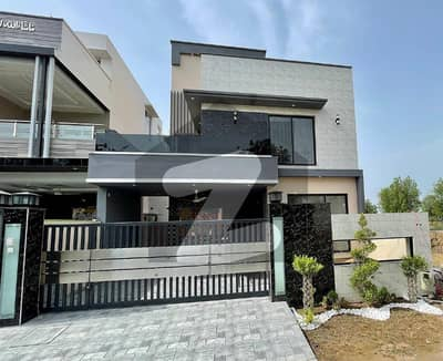 10 Marla Brand New House Facing park For Sale In Sector M2(a) Lake City Lahore