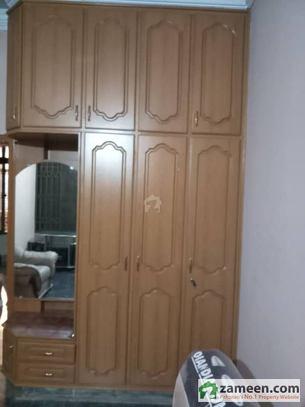 Females Only 1 Room For Rent Near To Main Chowk Of Sabzazar