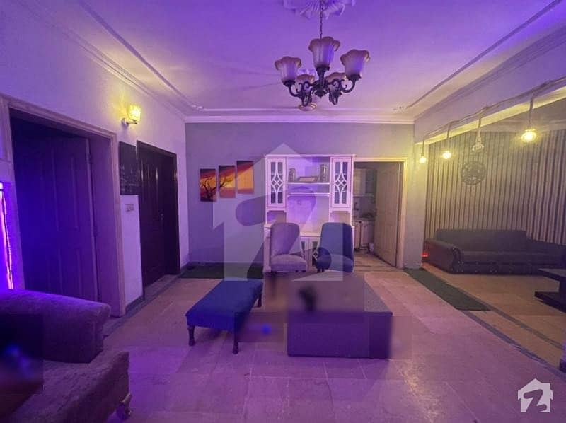 Canal Muslim Town 5 marla luxury apartment flat for sale.