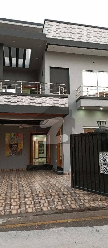 ملٹری اکاؤنٹس ہاؤسنگ سوسائٹی لاہور میں 5 کمروں کا 10 مرلہ مکان 2.35 کروڑ میں برائے فروخت۔