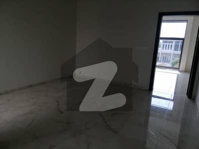 ایف ۔ 8 اسلام آباد میں 5 کمروں کا 1 کنال مکان 7 لاکھ میں کرایہ پر دستیاب ہے۔