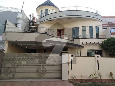 10.5 Marla Three Story House For Sale In Hashmi Garden
