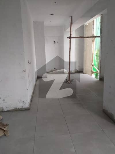 کلفٹن ۔ بلاک 5 کلفٹن کراچی میں 5 مرلہ دفتر 3.09 کروڑ میں برائے فروخت۔