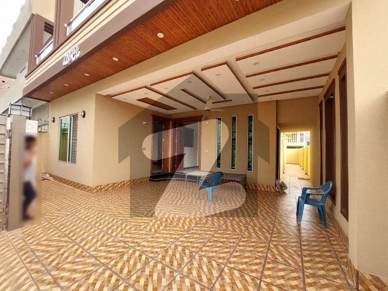 10 Marla Triple Story New House For Sale in J Block LDA Avenue Lahore