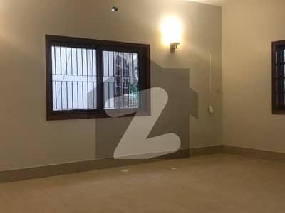ڈی ایچ اے فیز 7 ڈی ایچ اے کراچی میں 5 کمروں کا 1 کنال مکان 9.35 کروڑ میں برائے فروخت۔