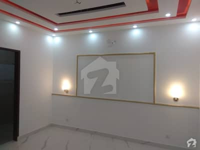 اسٹیٹ لائف ہاؤسنگ فیز 1 اسٹیٹ لائف ہاؤسنگ سوسائٹی لاہور میں 2 کمروں کا 1 کنال بالائی پورشن 55 ہزار میں کرایہ پر دستیاب ہے۔