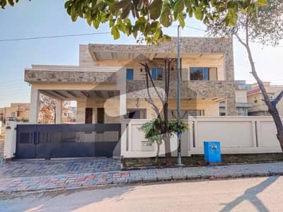 Beautifully Designed 1 Kanal Brand New House For Sale