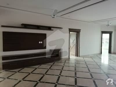 4500 Square Feet Upper Portion In Stunning Hayatabad Phase 7 - E7 Is Available For Rent
