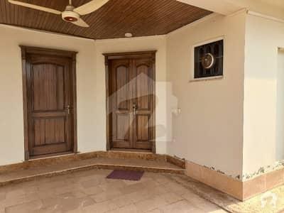 بحریہ سفاری ویلی ۔ سیکٹر بی بحریہ ٹاؤن فیز 8 ۔ سفاری ویلی بحریہ ٹاؤن فیز 8 بحریہ ٹاؤن راولپنڈی راولپنڈی میں 5 کمروں کا 11 مرلہ مکان 3.5 کروڑ میں برائے فروخت۔