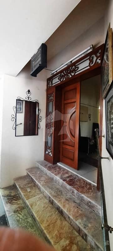 ایف ۔ 11 اسلام آباد میں 6 کمروں کا 1 کنال مکان 13 کروڑ میں برائے فروخت۔
