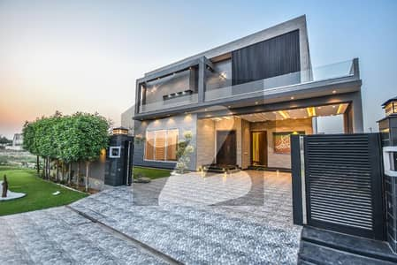 1 Kanal Solid And Stylish Owner Built House For Sale