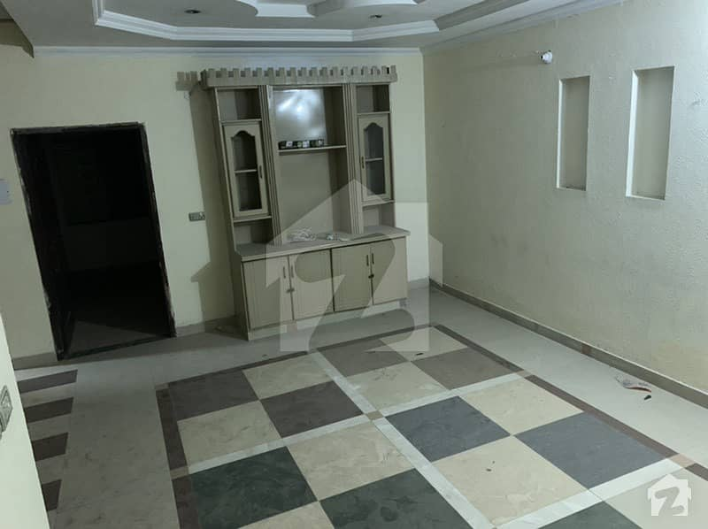 شاہ جمال لاہور میں 1 کمرے کا 4 مرلہ فلیٹ 23 ہزار میں کرایہ پر دستیاب ہے۔