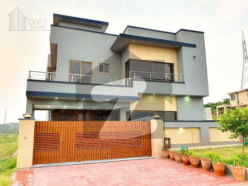 Amazing 12 Marla Front Open House For Sale On 80 ft Boulevard In Bahria Town
