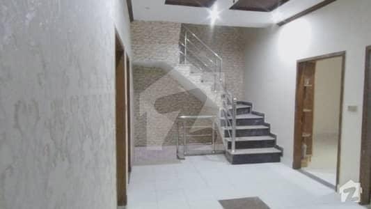 گلبرگ لاہور میں 3 کمروں کا 12 مرلہ بالائی پورشن 55 ہزار میں کرایہ پر دستیاب ہے۔