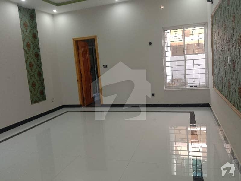 نشیمنِ اقبال لاہور میں 3 کمروں کا 1 کنال بالائی پورشن 48 ہزار میں کرایہ پر دستیاب ہے۔