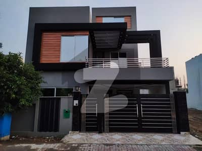 بحریہ آرچرڈ فیز 1 بحریہ آرچرڈ لاہور میں 5 کمروں کا 8 مرلہ مکان 1.85 کروڑ میں برائے فروخت۔