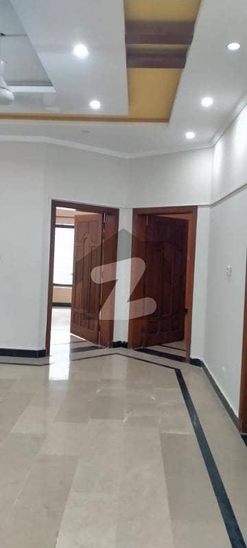 جی ۔ 15 اسلام آباد میں 3 کمروں کا 12 مرلہ زیریں پورشن 45 ہزار میں کرایہ پر دستیاب ہے۔