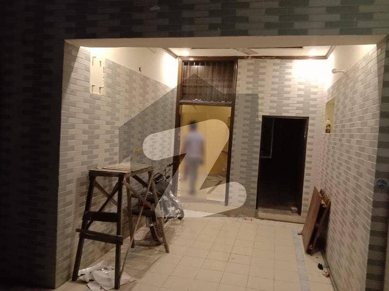 ڈی ایچ اے فیز 2 - بلاک کیو فیز 2 ڈیفنس (ڈی ایچ اے) لاہور میں 4 کمروں کا 10 مرلہ مکان 85 ہزار میں کرایہ پر دستیاب ہے۔