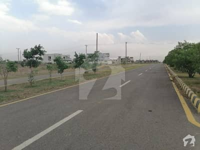 10 Marla Fresh House Available For Sale In 3 C1 Regi Model Town