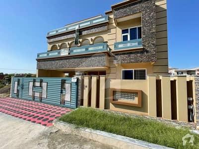 سی بی آر ٹاؤن فیز 1 سی بی آر ٹاؤن اسلام آباد میں 6 کمروں کا 14 مرلہ مکان 3.6 کروڑ میں برائے فروخت۔