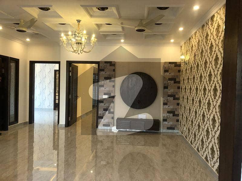 اسٹیٹ لائف فیز 1 - بلاک ایف اسٹیٹ لائف ہاؤسنگ فیز 1 اسٹیٹ لائف ہاؤسنگ سوسائٹی لاہور میں 5 کمروں کا 10 مرلہ مکان 2.5 کروڑ میں برائے فروخت۔