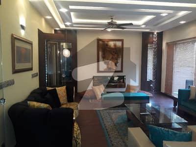 ڈی ایچ اے فیز 6 ڈیفنس (ڈی ایچ اے) لاہور میں 6 کمروں کا 2 کنال مکان 5.5 لاکھ میں کرایہ پر دستیاب ہے۔