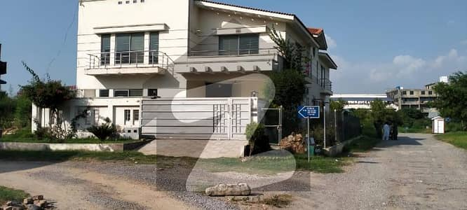 Double Store y House Is Available For Sale