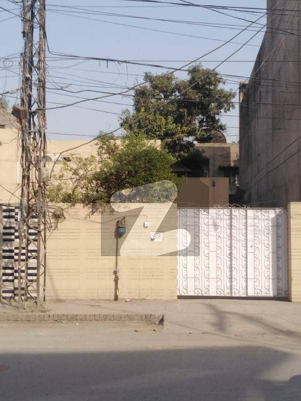 A House Of 7425 Square Feet In Samanabad - Block N