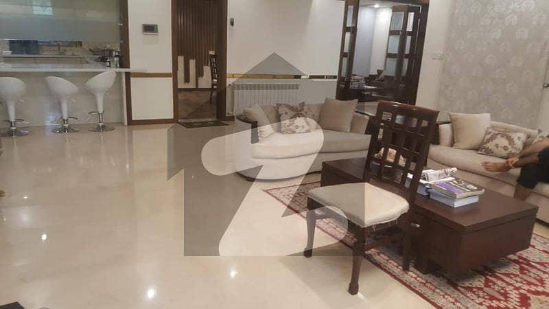 ایف ۔ 11/1 ایف ۔ 11 اسلام آباد میں 7 کمروں کا 1.33 کنال مکان 11 کروڑ میں برائے فروخت۔