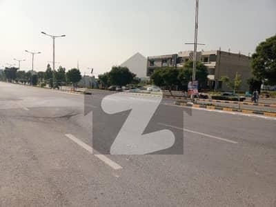 I-15 3 CDA Sector Islamabad Street 9 Plot No. 46 Road 70Ft & Park Face Size 5 Marla Plot For Sale