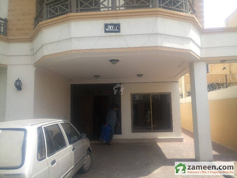 Well Maintained 2 Bedrooms Bungalow Portion  Dha Phase 4