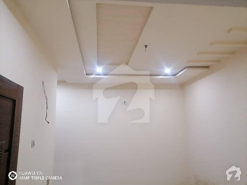 غالب سٹی فیصل آباد میں 3 کمروں کا 3 مرلہ مکان 60 لاکھ میں برائے فروخت۔