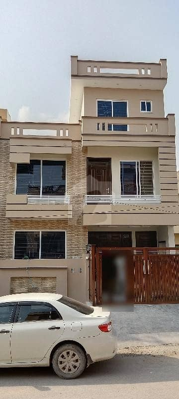 Brand New Double Storey Beautiful House For Sale 25x40 Size