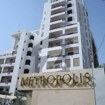 میٹروپولِز ریزیڈینسی جناح ایونیو کراچی میں 4 کمروں کا 11 مرلہ فلیٹ 2.8 کروڑ میں برائے فروخت۔