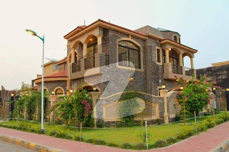 بحریہ گرینز۔ اوورسیز انکلیو بحریہ ٹاؤن فیز 8 بحریہ ٹاؤن راولپنڈی راولپنڈی میں 5 کمروں کا 1 کنال مکان 5.5 کروڑ میں برائے فروخت۔